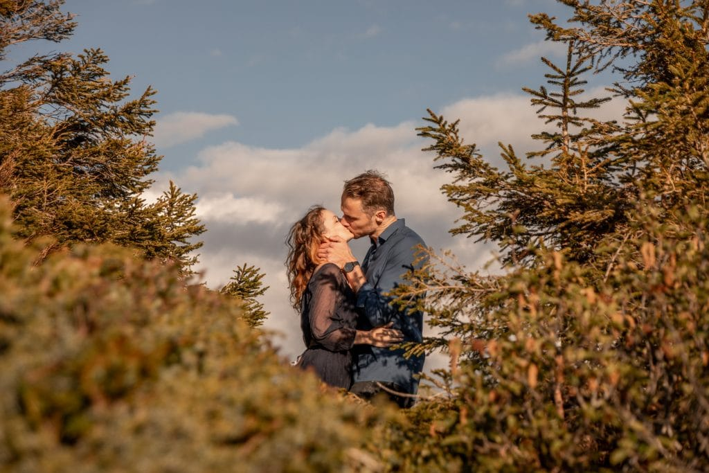006-mountain-elopement-wedding-austria-wild-embrace-sunset-photography-elope-intimate-outdoor-mountain-ceremony-adventure