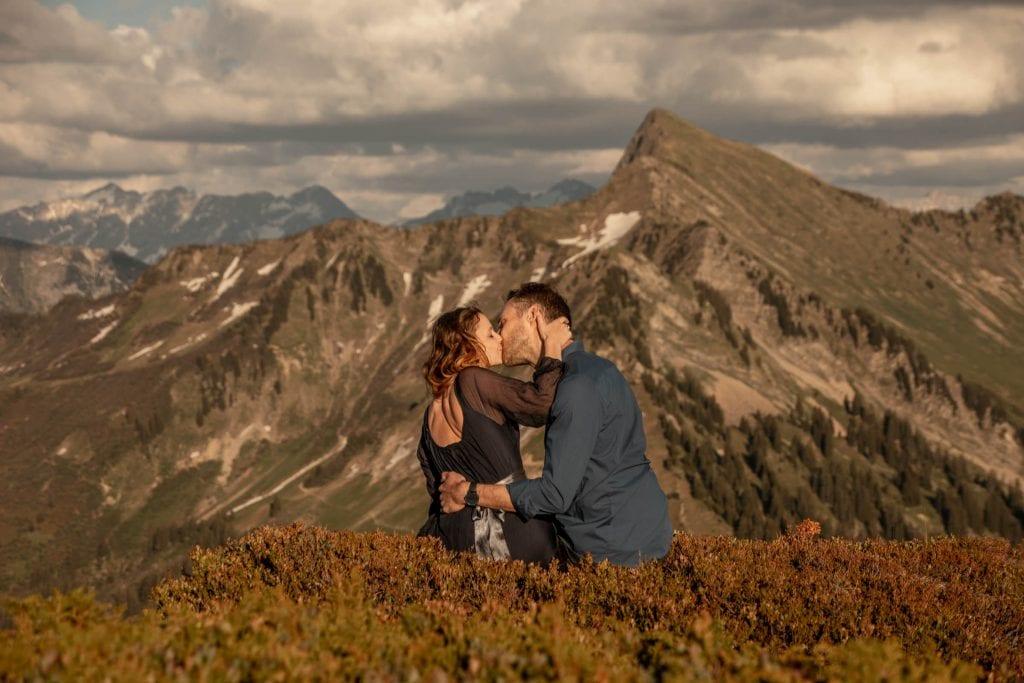 008-mountain-elopement-wedding-austria-wild-embrace-sunset-photography-elope-intimate-outdoor-mountain-ceremony-adventure