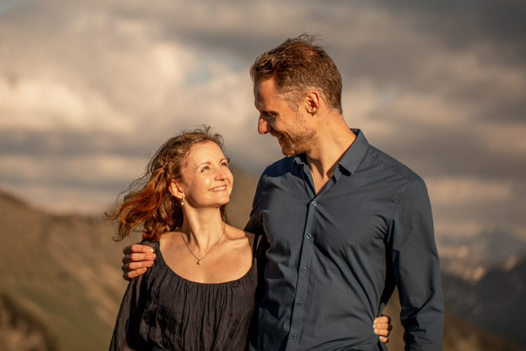 013-mountain-elopement-wedding-austria-wild-embrace-sunset-photography-elope-intimate-outdoor-mountain-ceremony-adventure