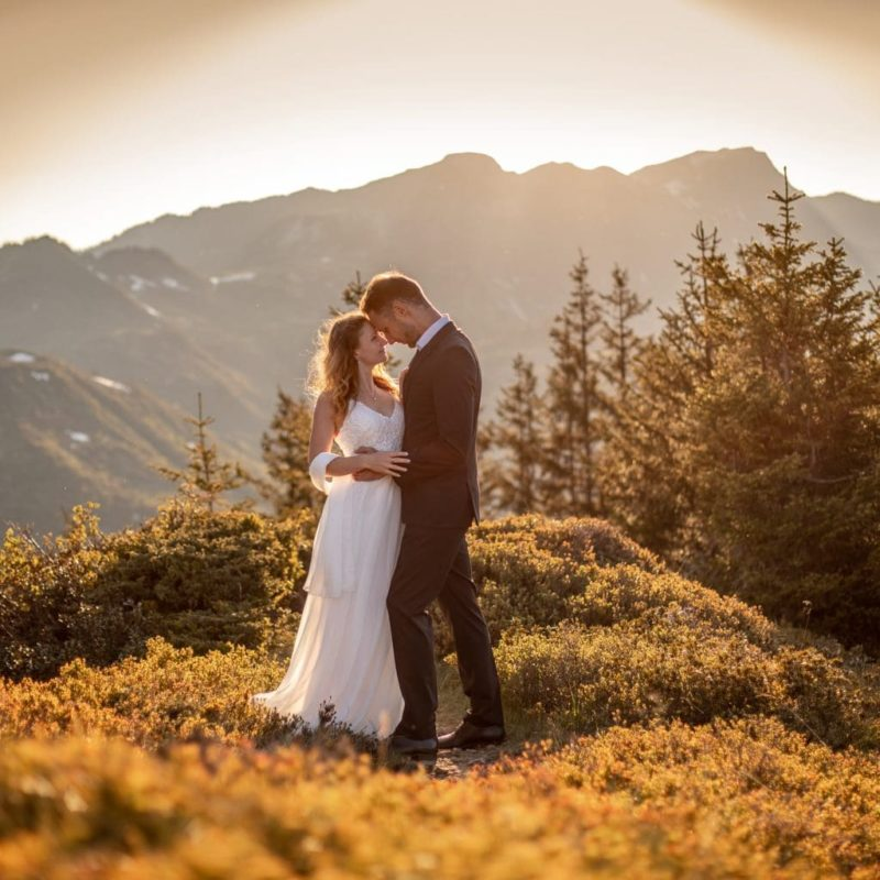 025-mountain-elopement-wedding-austria-wild-embrace-sunset-photography-elope-intimate-outdoor-mountain-ceremony-adventure