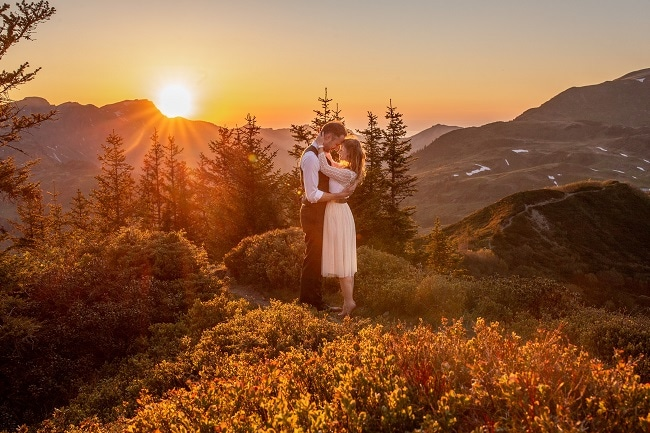 048-mountain-elopement-wedding-austria-wild-embrace-sunset-photography-elope-intimate-outdoor-mountain-ceremony-adventure