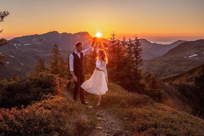 055-mountain-elopement-wedding-austria-wild-embrace-sunset-photography-elope-intimate-outdoor-mountain-ceremony-adventure