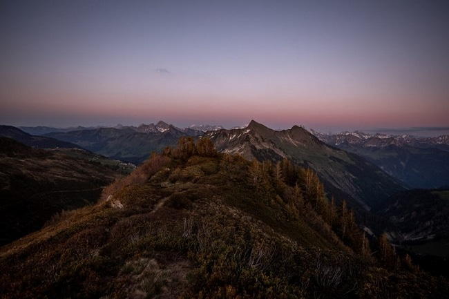 062-mountain-elopement-wedding-austria-wild-embrace-sunset-photography-elope-intimate-outdoor-mountain-ceremony-adventure