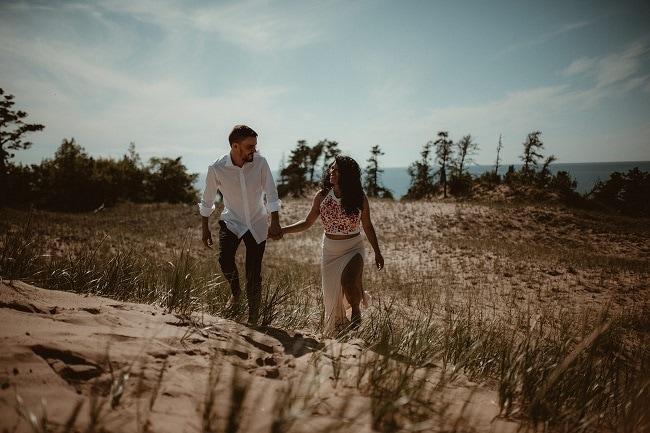 104-Eliot-Lupita-Wedding_Lume-Photography-elopement-destination-michigan-harbor-elope-usa-beach-summer-outdoor-intimate-ceremony