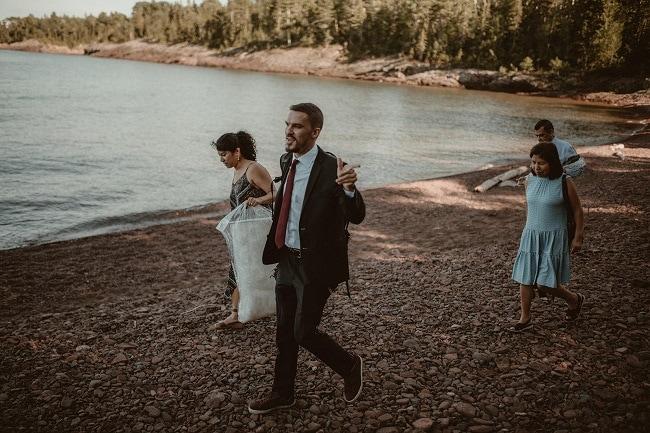 138-Eliot-Lupita-Wedding_Lume-Photography-elopement-destination-michigan-harbor-elope-usa-beach-summer-outdoor-intimate-ceremony