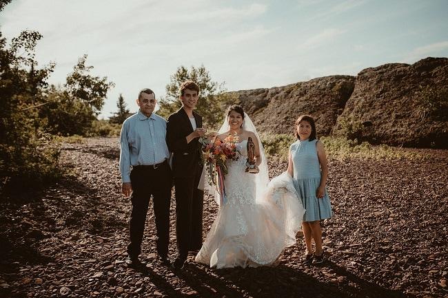 181-Eliot-Lupita-Wedding_Lume-Photography-elopement-destination-michigan-harbor-elope-usa-beach-summer-outdoor-intimate-ceremony