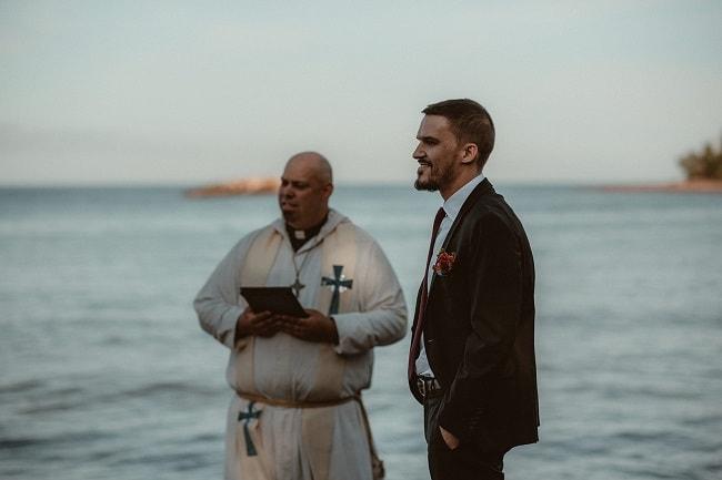 185-Eliot-Lupita-Wedding_Lume-Photography-elopement-destination-michigan-harbor-elope-usa-beach-summer-outdoor-intimate-ceremony