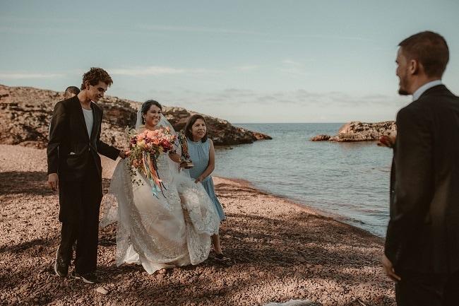 194-Eliot-Lupita-Wedding_Lume-Photography-elopement-destination-michigan-harbor-elope-usa-beach-summer-outdoor-intimate-ceremony