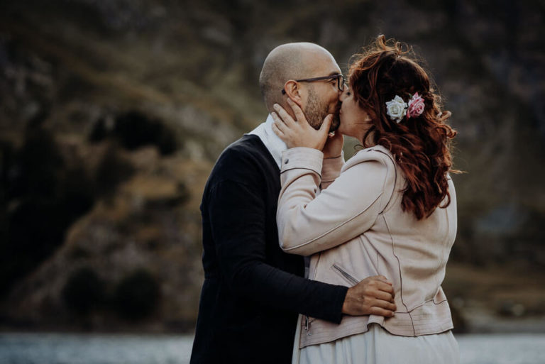 20-couple-adventure-session-alps-dolomites-elopement-Italy-Engagement-Destination-elope-Wedding-mountain-packages-outdoor