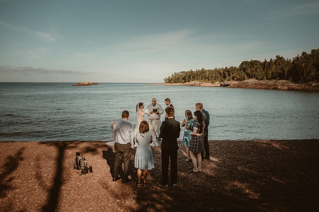 204-Eliot-Lupita-Wedding_Lume-Photography-elopement-destination-michigan-harbor-elope-usa-beach-summer-outdoor-intimate-ceremony