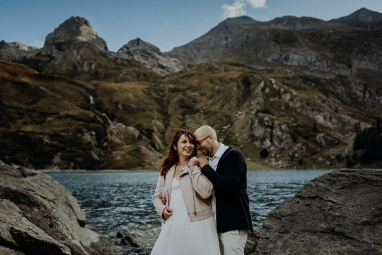 22-epic-elopement-portraits-alps-dolomites-adventure-italian-Italy-Engagement-Destination-elope-Wedding-mountain-packages-outdoor