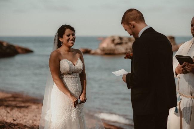 228-Eliot-Lupita-Wedding_Lume-Photography-elopement-destination-michigan-harbor-elope-usa-beach-summer-outdoor-intimate-ceremony