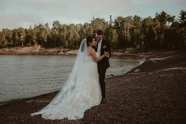 266-Eliot-Lupita-Wedding_Lume-Photography-elopement-destination-michigan-harbor-elope-usa-beach-summer-outdoor-intimate-ceremony