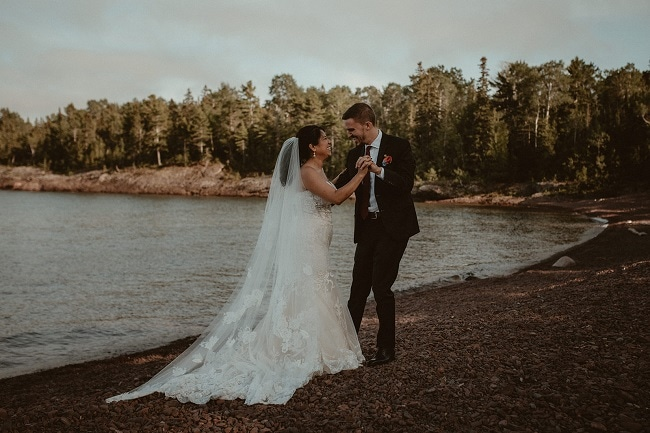 268-Eliot-Lupita-Wedding_Lume-Photography-elopement-destination-michigan-harbor-elope-usa-beach-summer-outdoor-intimate-ceremony