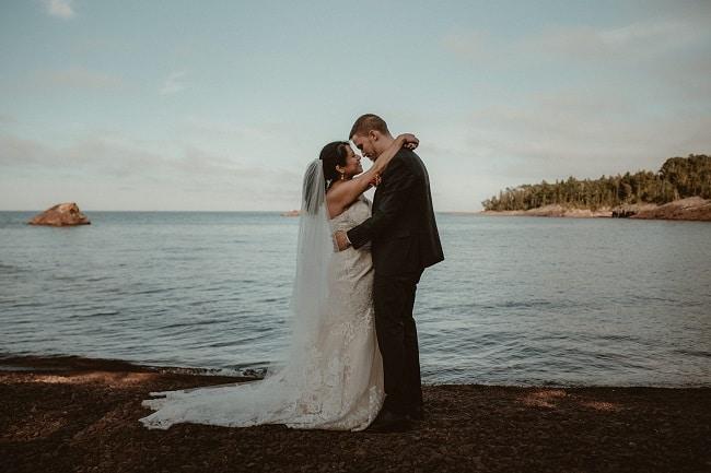 274-Eliot-Lupita-Wedding_Lume-Photography-elopement-destination-michigan-harbor-elope-usa-beach-summer-outdoor-intimate-ceremony