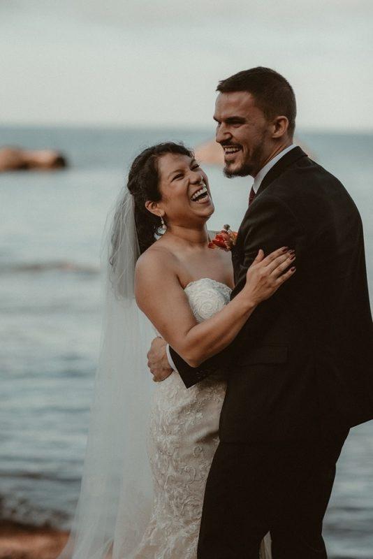 277-Eliot-Lupita-Wedding_Lume-Photography-elopement-destination-michigan-harbor-elope-usa-beach-summer-outdoor-intimate-ceremony