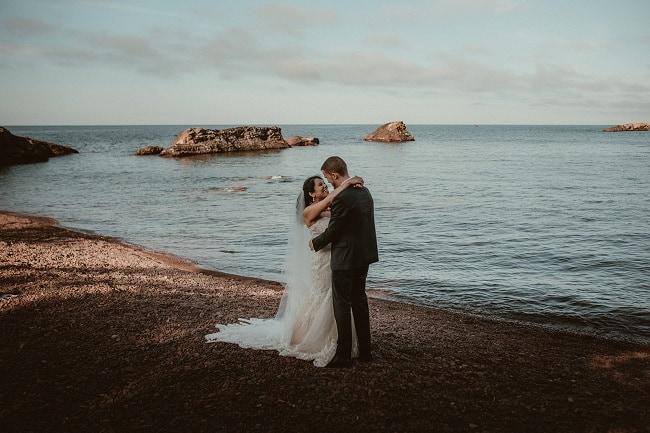 283-Eliot-Lupita-Wedding_Lume-Photography-elopement-destination-michigan-harbor-elope-usa-beach-summer-outdoor-intimate-ceremony