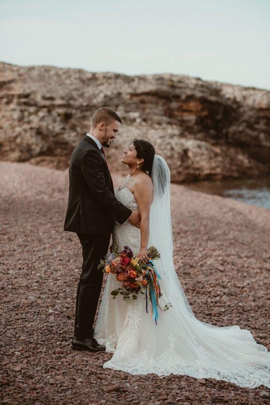 351-Eliot-Lupita-Wedding_Lume-Photography-elopement-destination-michigan-harbor-elope-usa-beach-summer-outdoor-intimate-ceremony