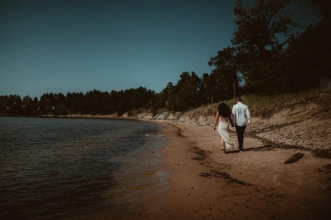 46-Eliot-Lupita-Wedding_Lume-Photography-elopement-destination-michigan-harbor-elope-usa-beach-summer-outdoor-intimate-ceremony
