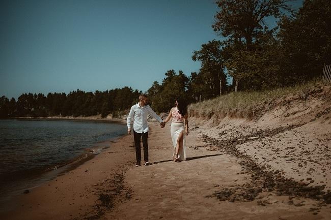 48-Eliot-Lupita-Wedding_Lume-Photography-elopement-destination-michigan-harbor-elope-usa-beach-summer-outdoor-intimate-ceremony