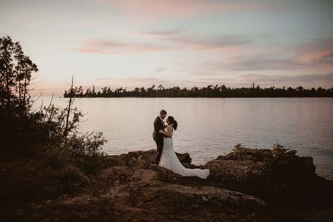 482-Eliot-Lupita-Wedding_Lume-Photography-elopement-destination-michigan-harbor-elope-usa-beach-summer-outdoor-intimate-ceremony