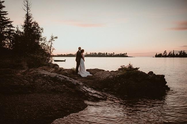 486-Eliot-Lupita-Wedding_Lume-Photography-elopement-destination-michigan-harbor-elope-usa-beach-summer-outdoor-intimate-ceremony