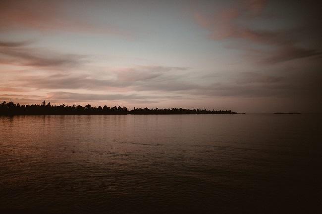 509-Eliot-Lupita-Wedding_Lume-Photography-elopement-destination-michigan-harbor-elope-usa-beach-summer-outdoor-intimate-ceremony