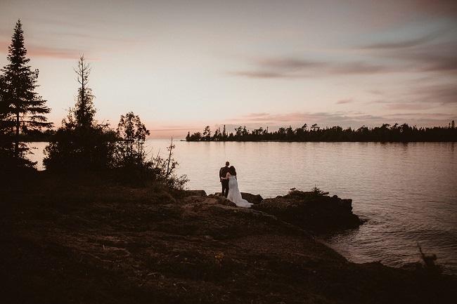 511-Eliot-Lupita-Wedding_Lume-Photography-elopement-destination-michigan-harbor-elope-usa-beach-summer-outdoor-intimate-ceremony