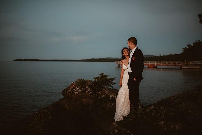 519-Eliot-Lupita-Wedding_Lume-Photography-elopement-destination-michigan-harbor-elope-usa-beach-summer-outdoor-intimate-ceremony