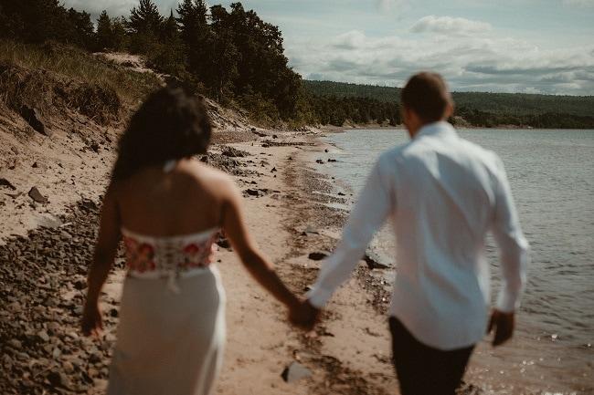 53-Eliot-Lupita-Wedding_Lume-Photography-elopement-destination-michigan-harbor-elope-usa-beach-summer-outdoor-intimate-ceremony