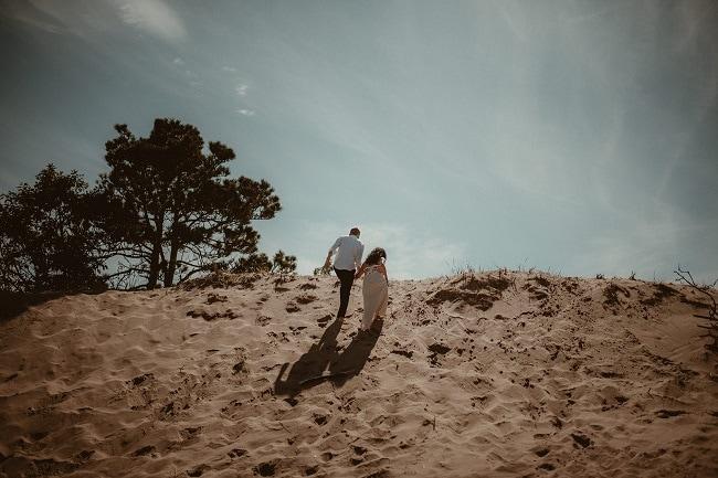 88-Eliot-Lupita-Wedding_Lume-Photography-elopement-destination-michigan-harbor-elope-usa-beach-summer-outdoor-intimate-ceremony