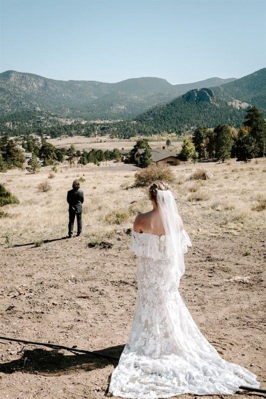 Courtney11-Lynn-colorado-adventure-elopement-packages-destination-wedding-photographer-estes-park-elope-first-look