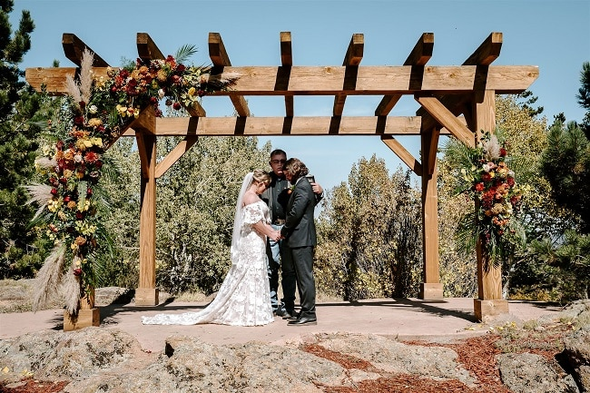Courtney34-Lynn-colorado-adventure-elopement-packages-destination-wedding-photographer-estes-park-elope-prayer
