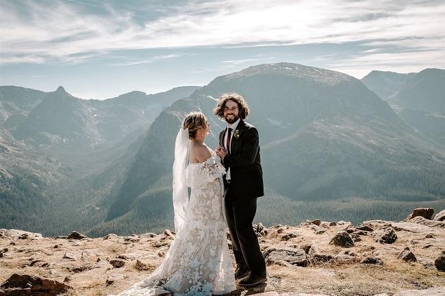 Courtney53-Lynn-colorado-adventure-elopement-packages-destination-wedding-photographer-estes-park-elope-mountain-view
