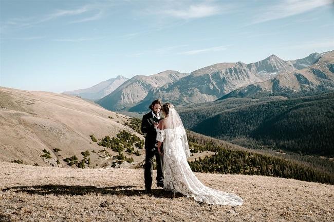Courtney59-Lynn-colorado-adventure-elopement-packages-destination-wedding-photographer-estes-park-elope-vows