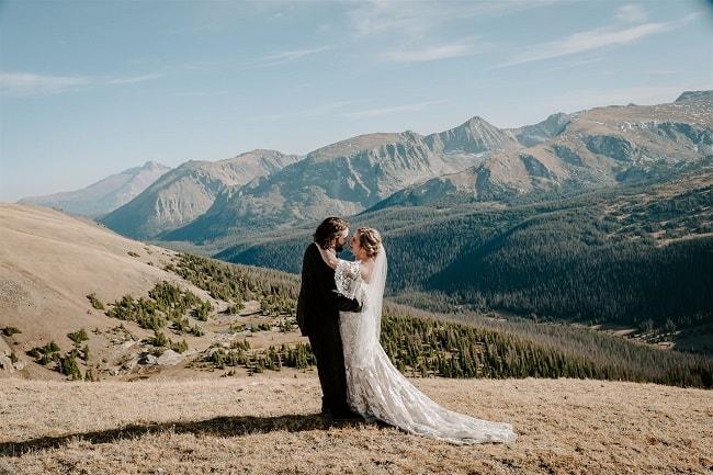 Courtney68-Lynn-colorado-adventure-elopement-packages-destination-wedding-photographer-estes-park-elope-newlyweds