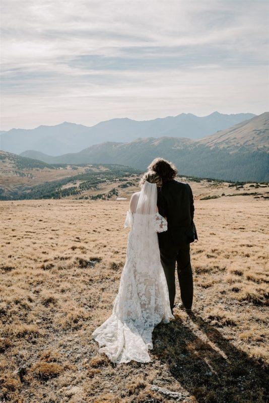 Courtney77-Lynn-colorado-adventure-elopement-packages-destination-wedding-photographer-estes-park-elope-happy-couple
