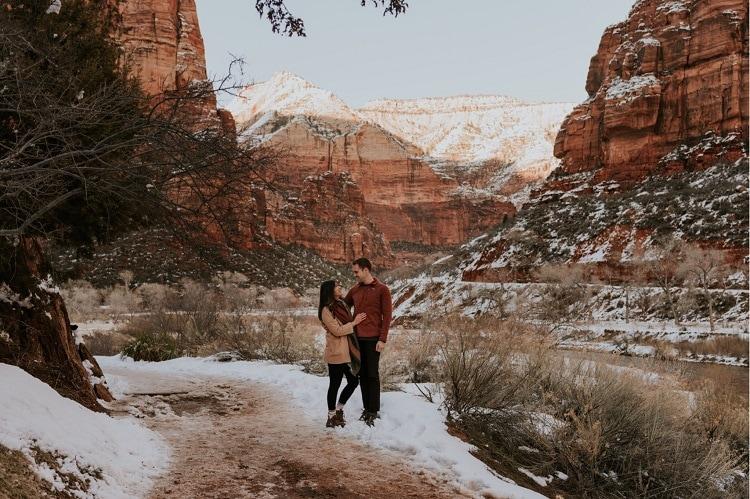Destination-Zion-national-park-elopement-elope-adventure-red-rock-wedding-intimate-ceremony-winter-snow-love
