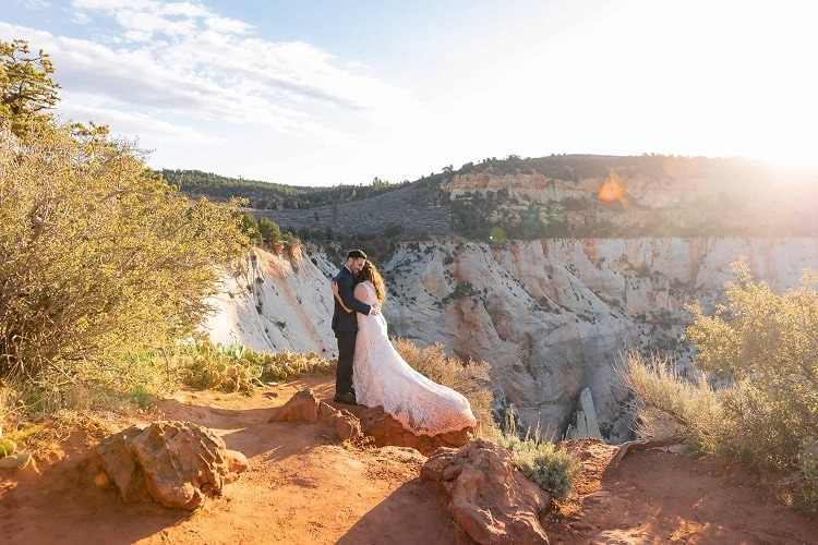 Destination-elopement-in-Zion-National-Park-sunrise-Adventure-Observation-point-bride-groom-wedding-utah-kyle-loves-tori-love-elope