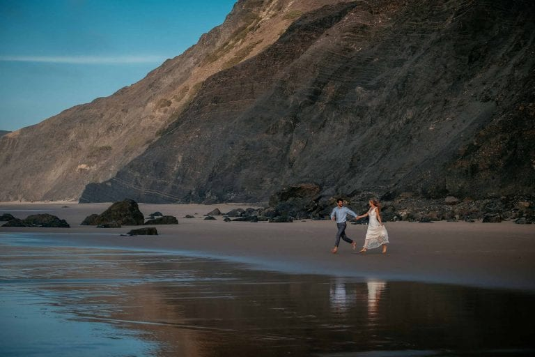 Hochzeit-in-Portugal-an-der-Algarve-15-elopement-wedding-beach-intimate-ceremony-coast-sand-sea-sunset-love-elope