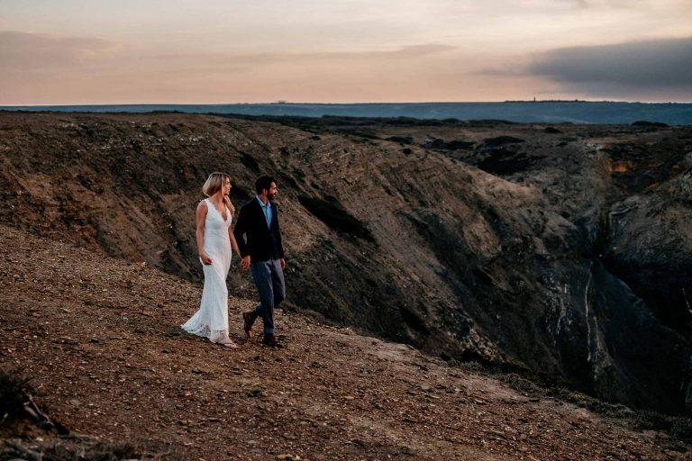 Hochzeit-in-Portugal-an-der-Algarve-20-elopement-wedding-beach-intimate-ceremony-coast-sand-sea-sunset-love-elope