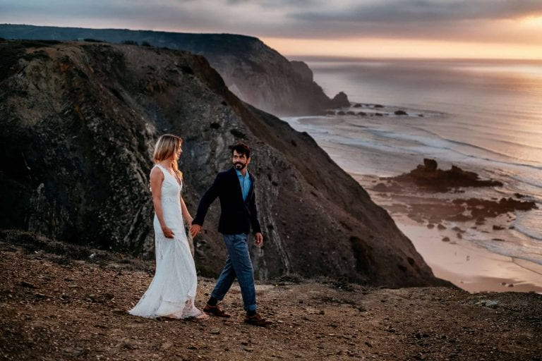 Hochzeit-in-Portugal-an-der-Algarve-21-elopement-wedding-beach-intimate-ceremony-coast-sand-sea-sunset-love-elope