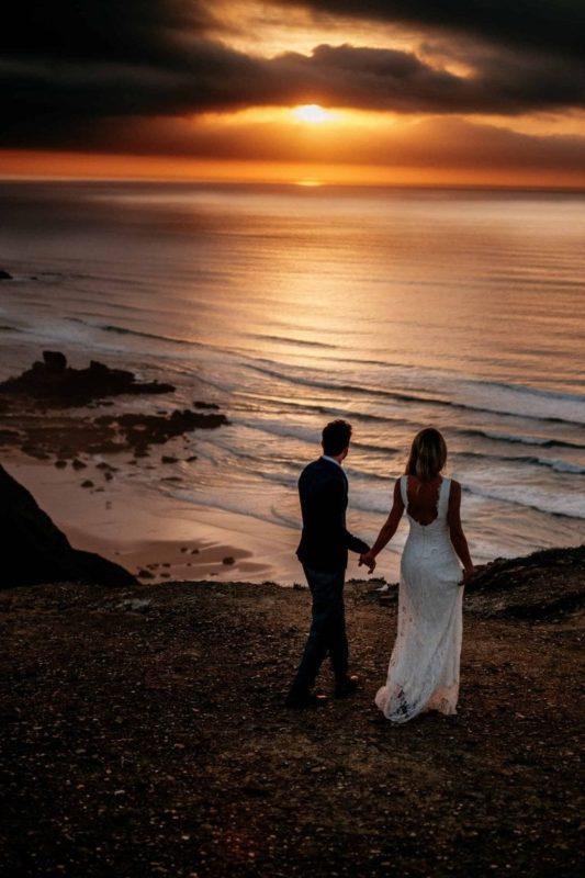 Hochzeit-in-Portugal-an-der-Algarve-22-elopement-wedding-beach-intimate-ceremony-coast-sand-sea-sunset-love-elope