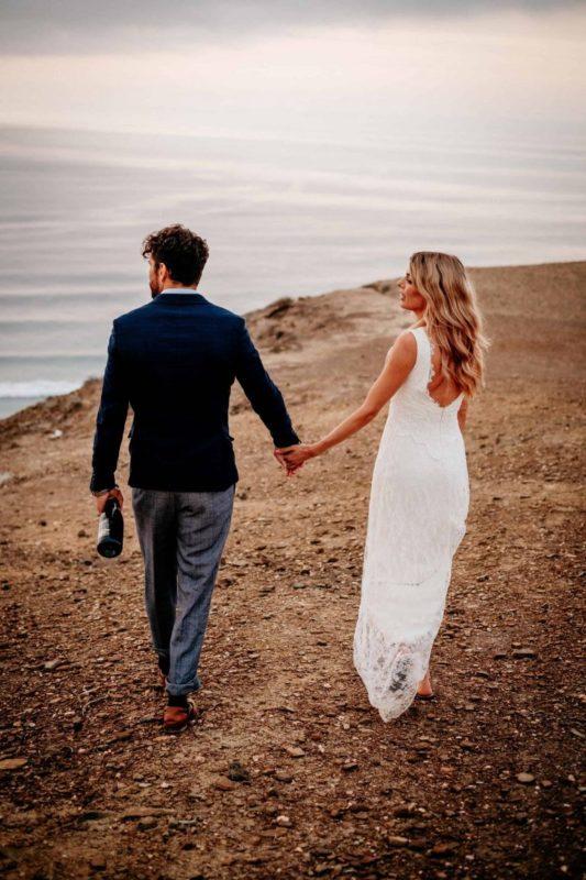 Hochzeit-in-Portugal-an-der-Algarve-28-elopement-wedding-beach-intimate-ceremony-coast-sand-sea-sunset-love-elope