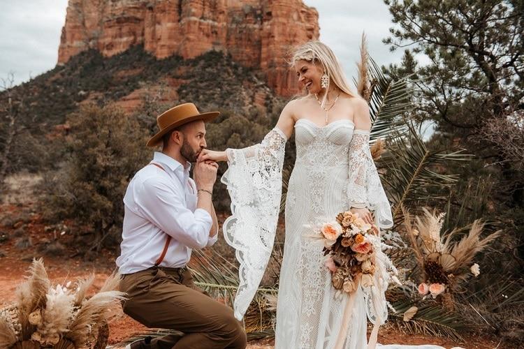 Jaci14-Berkopec-Bohemian-Chic-Vibes-Destination-Elopement-Intimate-Wedding-Photographer-Sedona-Arizona-Adventure