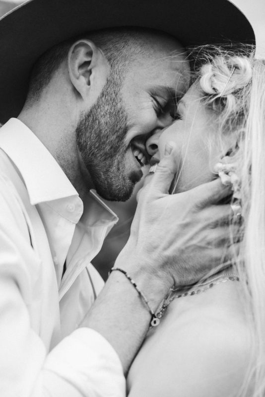 Jaci15-Berkopec-Bohemian-Chic-Vibes-Destination-Elopement-Intimate-Wedding-Photographer-Sedona-Arizona-Adventure