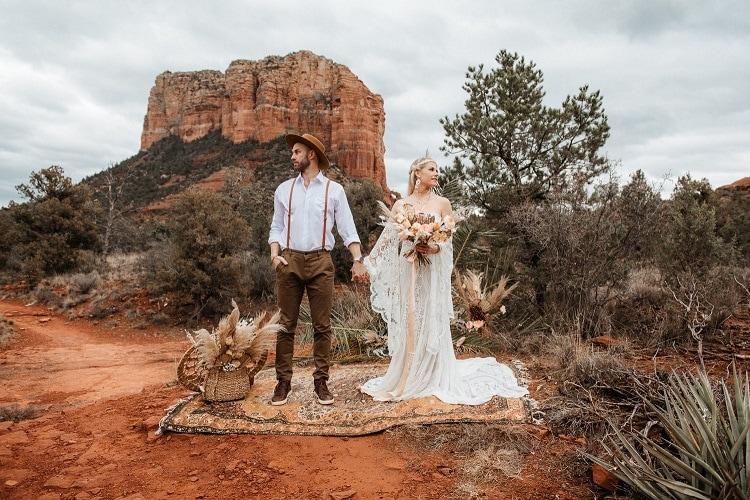 Jaci17-Berkopec-Bohemian-Chic-Vibes-Destination-Elopement-Intimate-Wedding-Photographer-Sedona-Arizona-Adventure