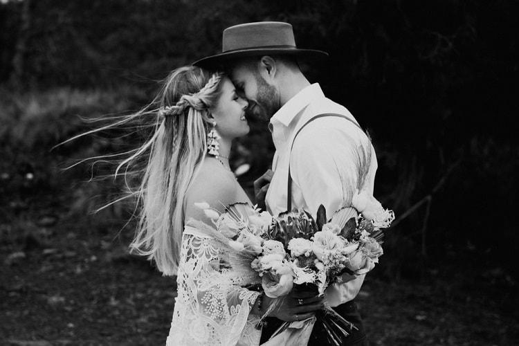 Jaci2-Berkopec-Bohemian-Chic-Vibes-Destination-Elopement-Intimate-Wedding-Photographer-Sedona-Arizona-Adventure