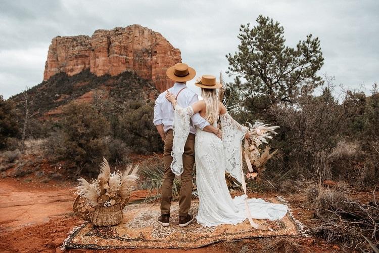 Jaci26-Berkopec-Bohemian-Chic-Vibes-Destination-Elopement-Intimate-Wedding-Photographer-Sedona-Arizona-Adventure