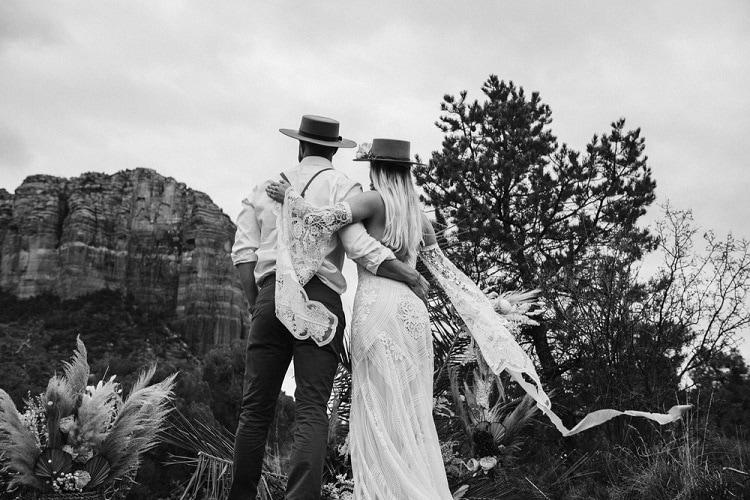Jaci27-Berkopec-Bohemian-Chic-Vibes-Destination-Elopement-Intimate-Wedding-Photographer-Sedona-Arizona-Adventure